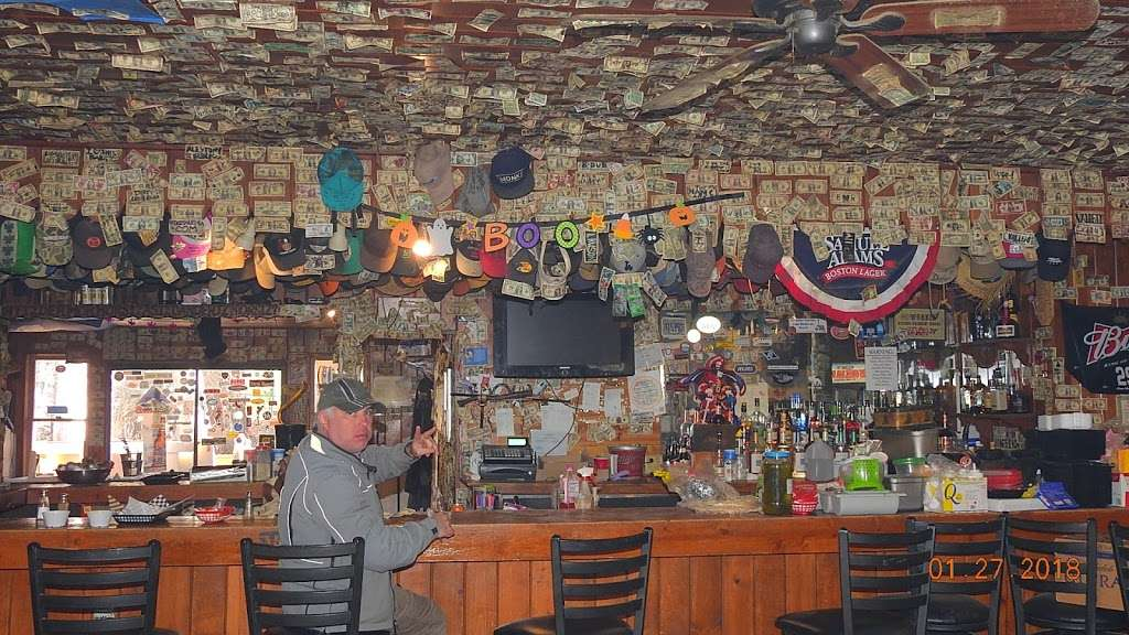 Reyes Creek Bar and Grill - restaurant  | Photo 10 of 10 | Address: 26905 Camp Scheideck Rd, Maricopa, CA 93252, USA | Phone: (805) 232-8007