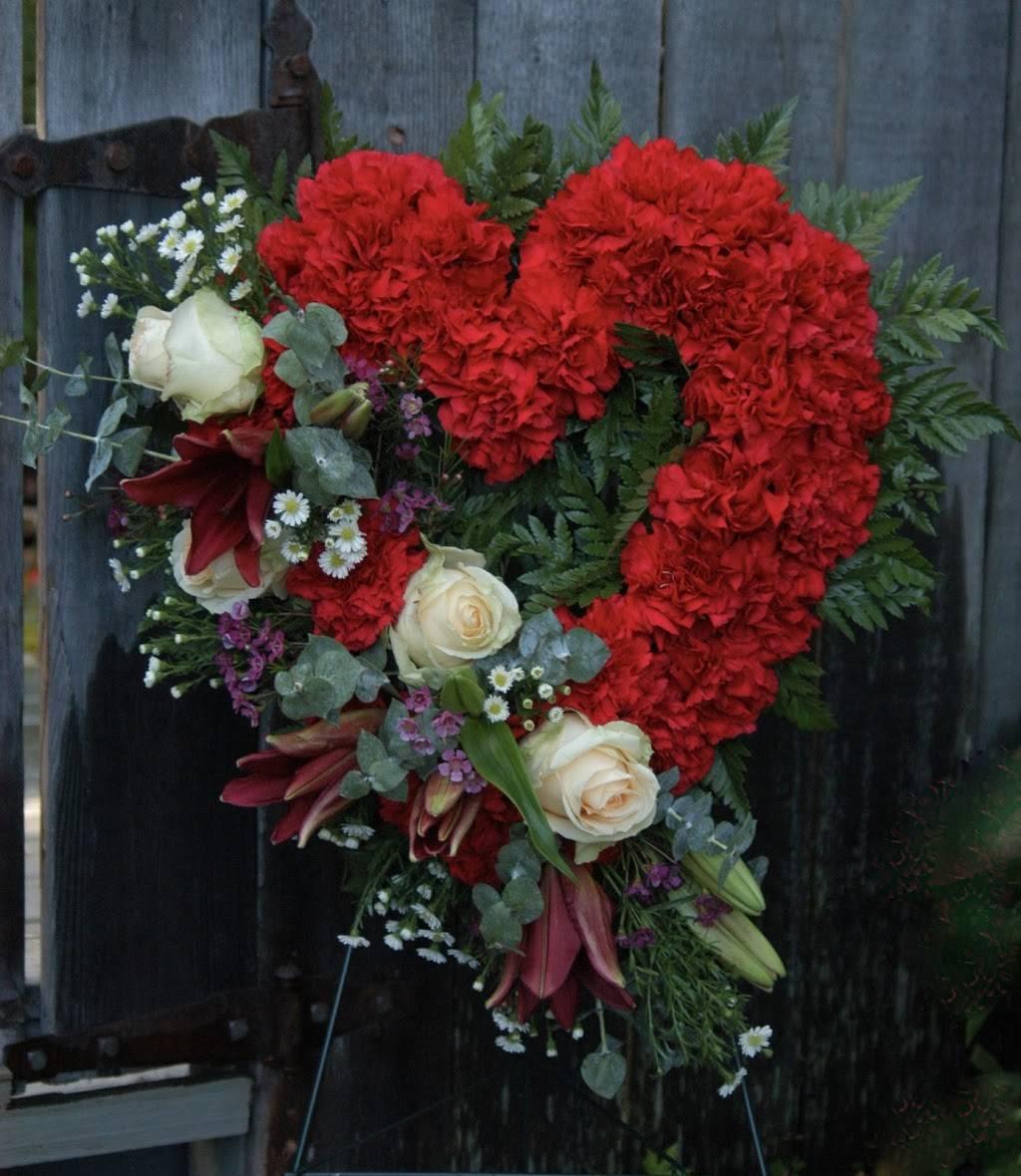 Red Carpet Flower Boutique - florist  | Photo 4 of 8 | Address: 12611 Landmark Ct unit b, Anchorage, AK 99515, USA | Phone: (907) 350-9792