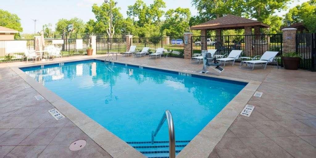 Staybridge Suites Houston East - Baytown - lodging  | Photo 3 of 10 | Address: 7626 Garth Rd, Baytown, TX 77521, USA | Phone: (281) 421-0030