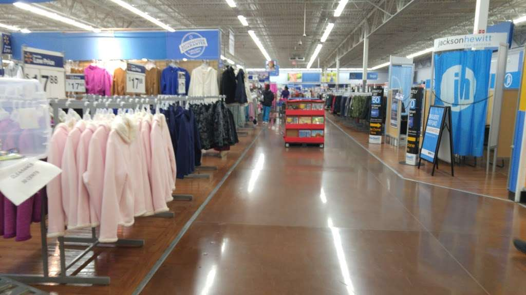 Walmart - supermarket  | Photo 8 of 10 | Address: 6210 Annapolis Rd, Landover Hills, MD 20784, USA | Phone: (301) 773-7848