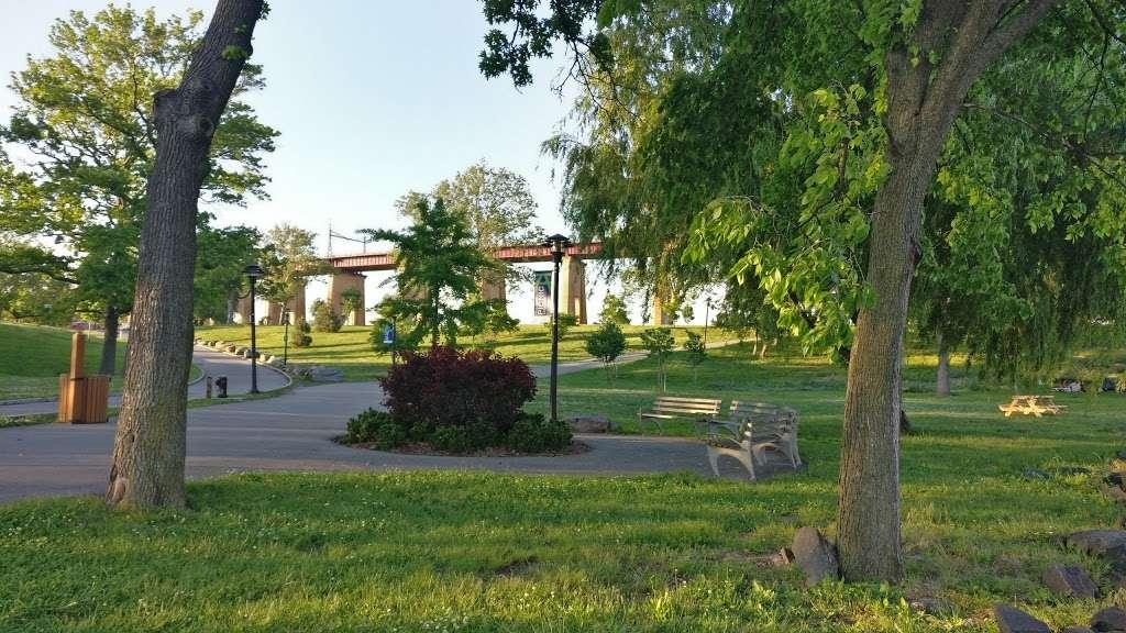Ralph Demarco Park - park    Photo 4 of 10   Address: Shore Blvd, Queens, NY 11105, USA   Phone: (212) 639-9675