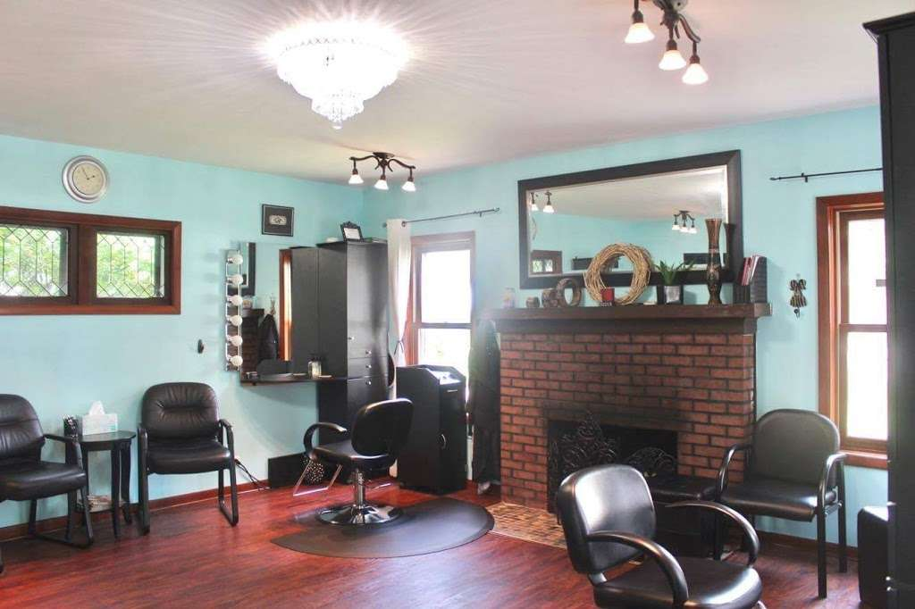 House of Hair - hair care  | Photo 2 of 8 | Address: 313 N 5th St, St. Charles, IL 60174, USA | Phone: (630) 675-6025