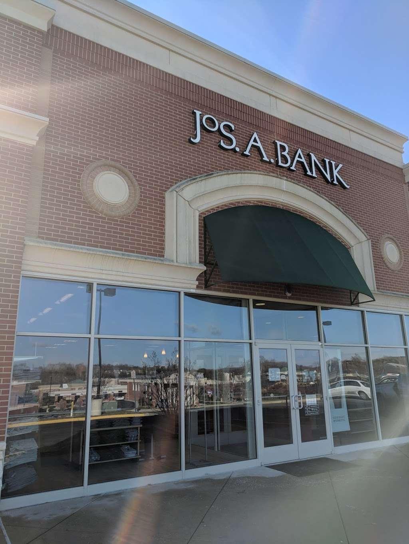 Jos. A. Bank - shoe store  | Photo 4 of 10 | Address: 476 Fletcher Dr, Warrenton, VA 20186, USA | Phone: (540) 428-8506