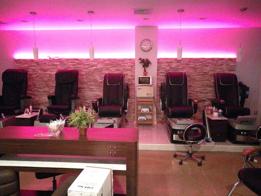 Dawa Threading Salon - hair care  | Photo 2 of 10 | Address: 30-13 30th Ave, Astoria, NY 11102, USA | Phone: (718) 721-7300