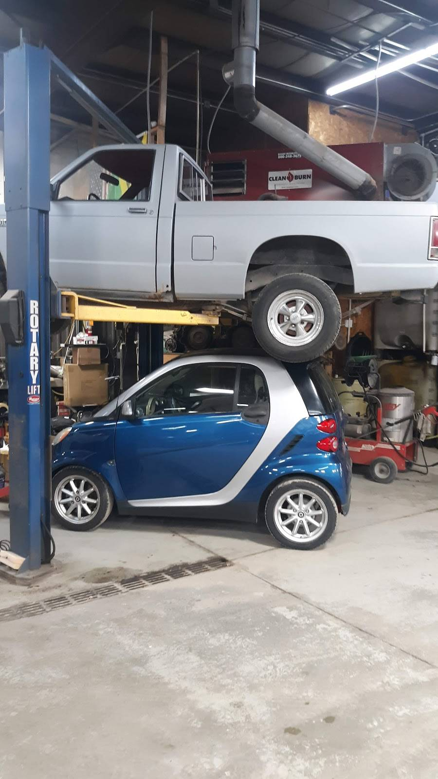 Troys Automotive - car repair  | Photo 3 of 3 | Address: 1329 Dawes Ave, Lincoln, NE 68521, USA | Phone: (402) 477-7182