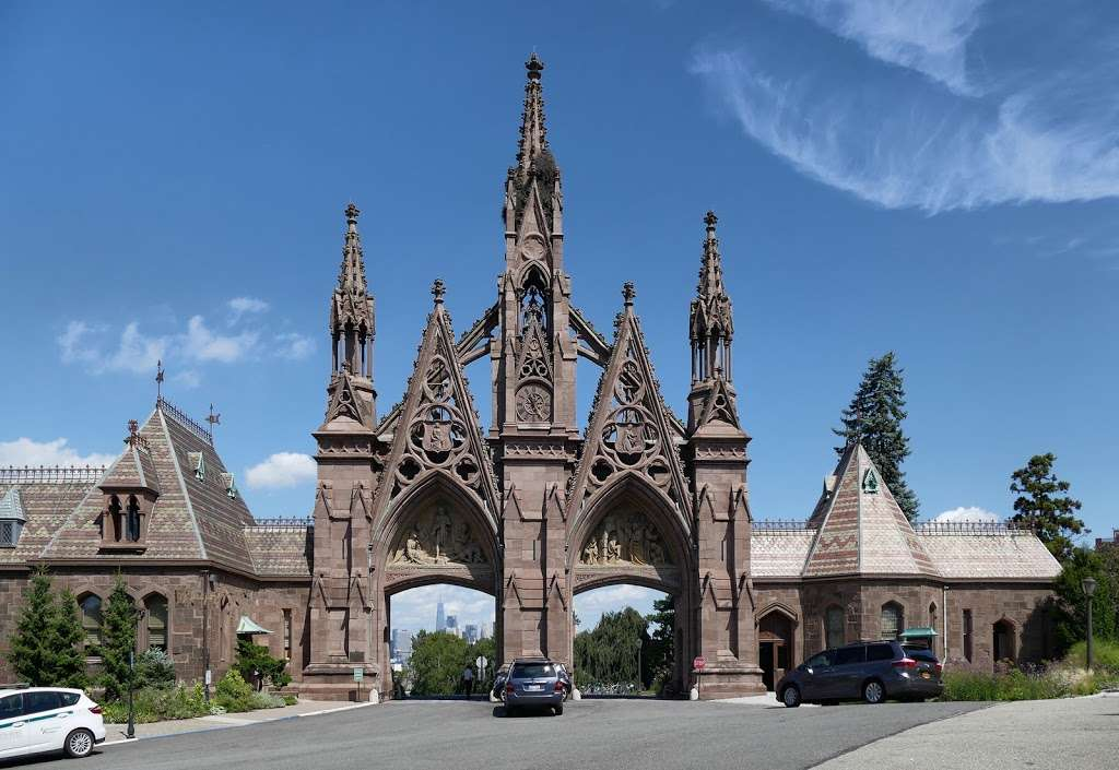Green-Wood Cemetery Chapel - cemetery  | Photo 4 of 10 | Address: 500 25th St, Brooklyn, NY 11232, USA | Phone: (718) 768-7300