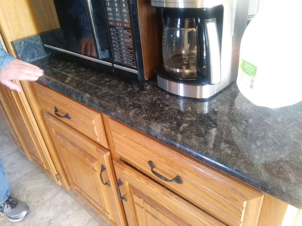 Granite Designers - home goods store    Photo 8 of 10   Address: 5031 Welborn Ln, Kansas City, KS 66104, USA   Phone: (913) 602-7613