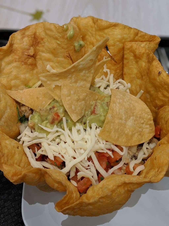 La Fondita Taqueria - restaurant    Photo 6 of 10   Address: 630 Park Ct, Rohnert Park, CA 94928, USA   Phone: (707) 588-7311
