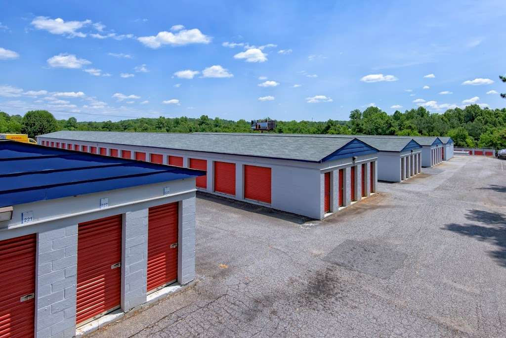 First USA Storage - storage  | Photo 1 of 5 | Address: 3005 Nathan St, Newton, NC 28658, USA | Phone: (828) 634-7649