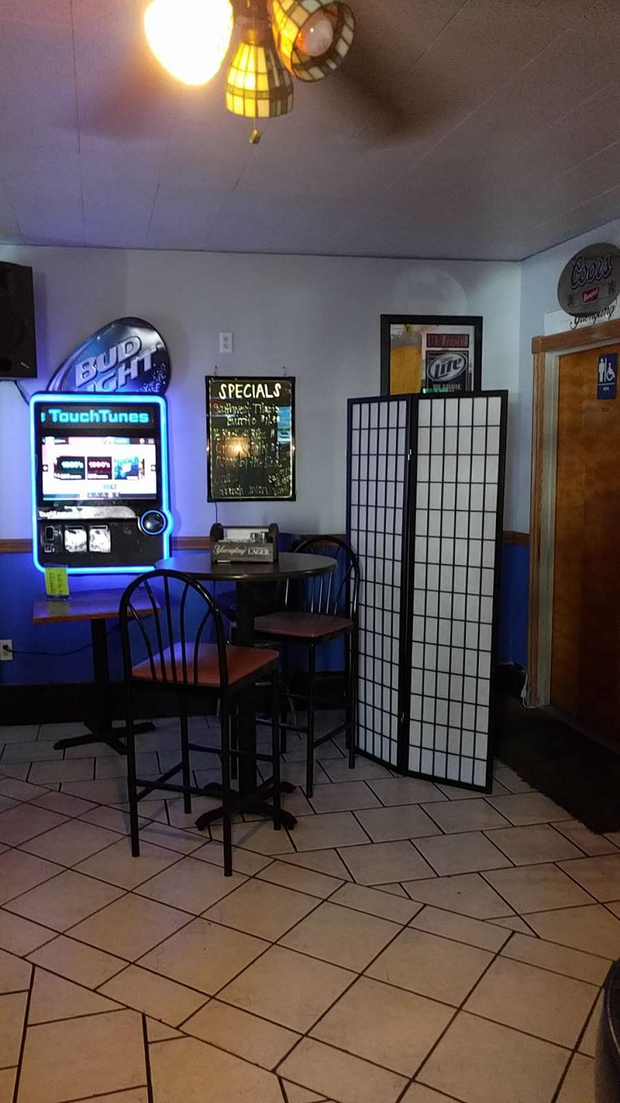 Yockos - restaurant  | Photo 4 of 7 | Address: 18 N Delaware Ave, Minersville, PA 17954, USA | Phone: (570) 544-5442