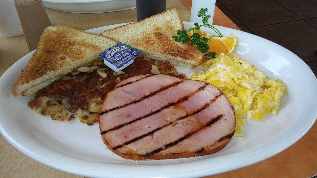 Flames Xpress - restaurant  | Photo 6 of 10 | Address: 11003 Lower Azusa Rd, El Monte, CA 91731, USA | Phone: (626) 350-7500