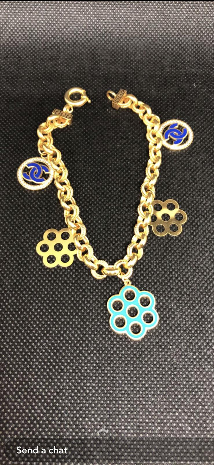 Queen jewelry - jewelry store  | Photo 4 of 10 | Address: 4064 E 14 Mile Rd, Warren, MI 48092, USA | Phone: (586) 303-2991