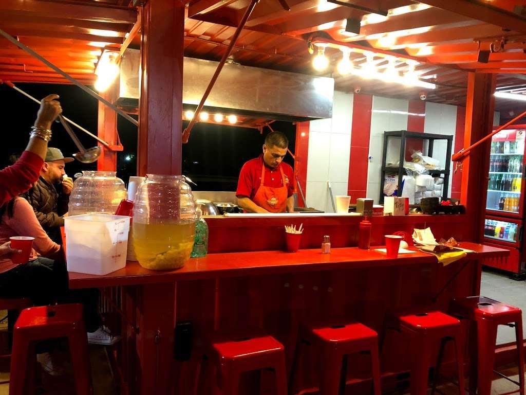 Ta'Karbon Taquería Otay - restaurant    Photo 5 of 10   Address: Avenida, Instituto Politécnico Nacional, Campos Deportivos, Garita de Otay, 22430 Tijuana, B.C., Mexico   Phone: 664 378 1281