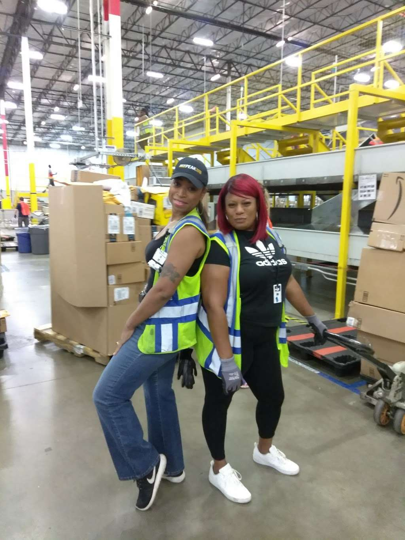 Amazon Fulfillment Center DFW8 - storage    Photo 5 of 10   Address: 2700 Regent Blvd, Irving, TX 75063, USA
