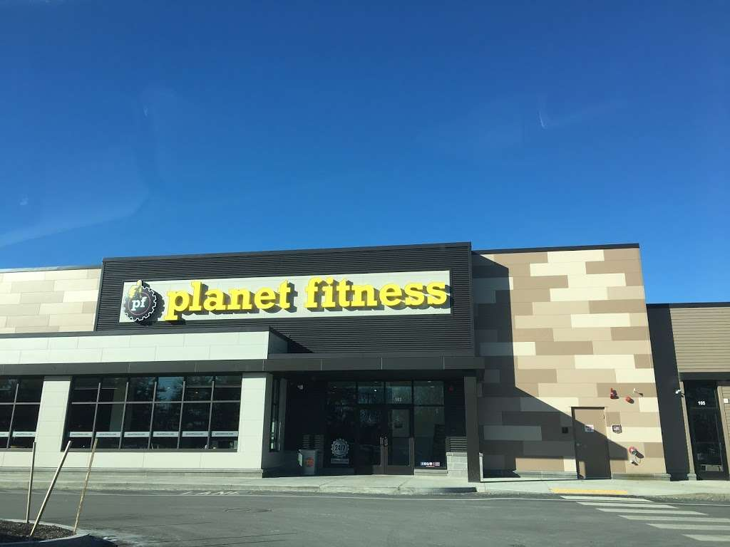 Planet Fitness - gym  | Photo 4 of 8 | Address: 360 Daniel Webster Hwy Ste103, Merrimack, NH 03054, USA | Phone: (603) 717-3446