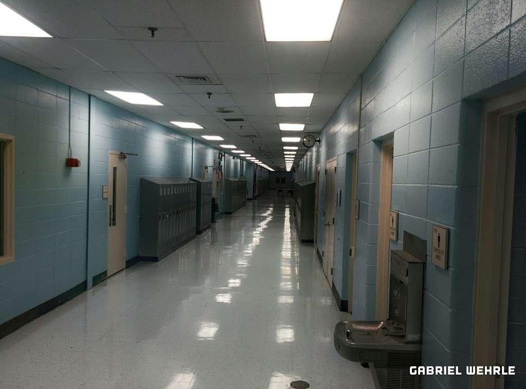 Bergen County Technical School - Teterboro - school  | Photo 2 of 9 | Address: 504 US-46, Teterboro, NJ 07608, USA | Phone: (201) 343-6000