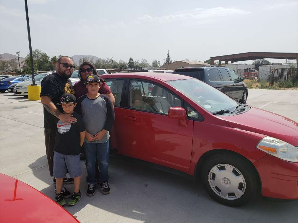Logix Auto Group - car dealer  | Photo 8 of 10 | Address: 18017 Valley Blvd, Bloomington, CA 92316, USA | Phone: (909) 440-5454