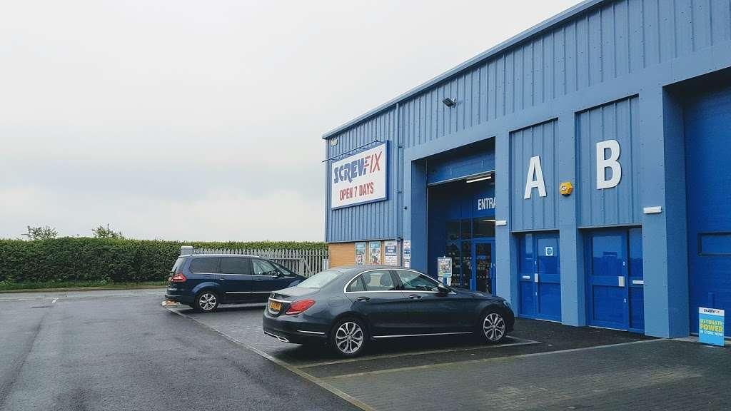Screwfix - store    Photo 1 of 3   Address: Hainault Works, Hainault Rd, Romford RM6 5SS, UK   Phone: 0333 011 2112