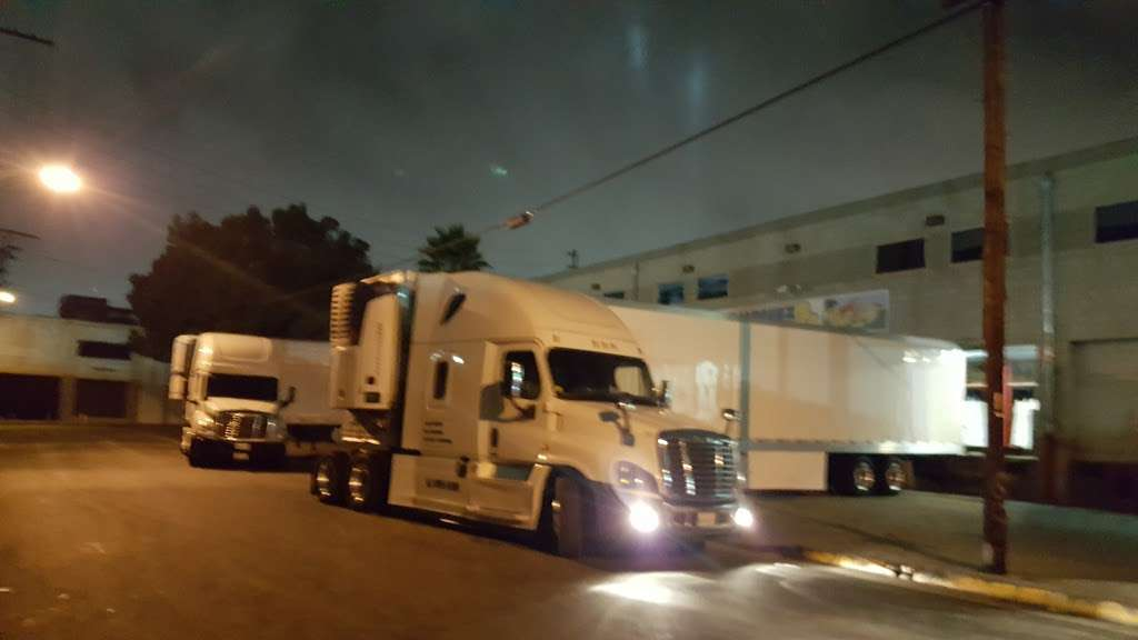Marquez Produce Inc - store  | Photo 5 of 8 | Address: 2155 E 14th St, Los Angeles, CA 90021, USA | Phone: (213) 622-7638