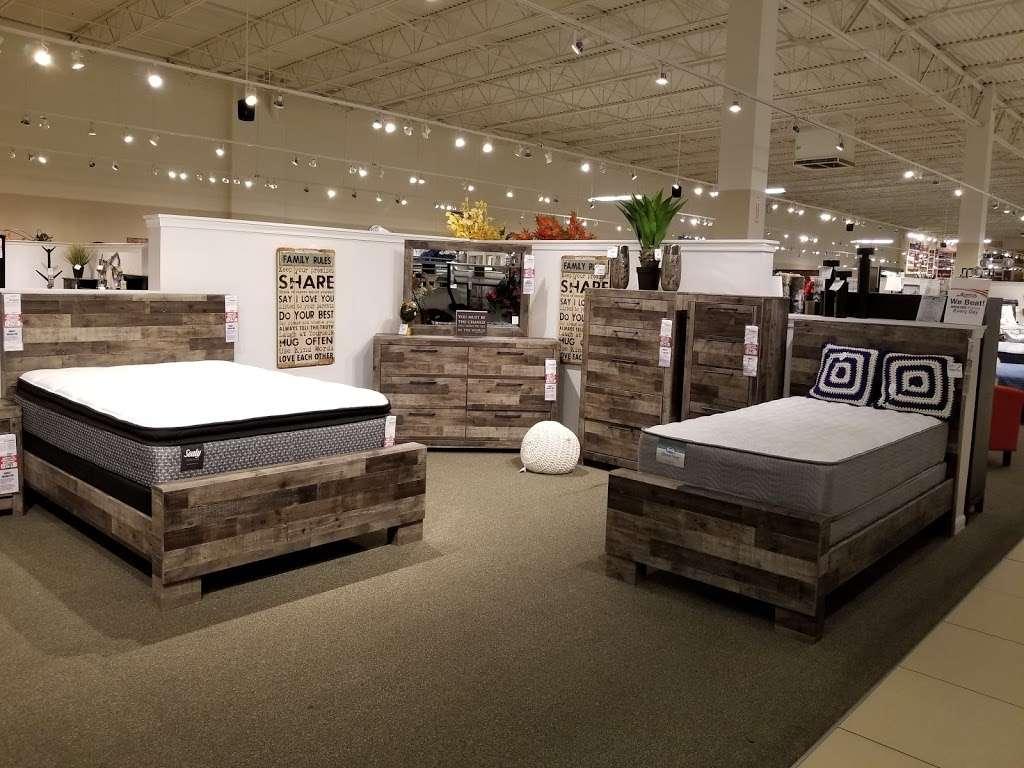 American Furniture Warehouse - furniture store  | Photo 9 of 10 | Address: 5801 N 99th Ave, Glendale, AZ 85305, USA | Phone: (602) 422-8800