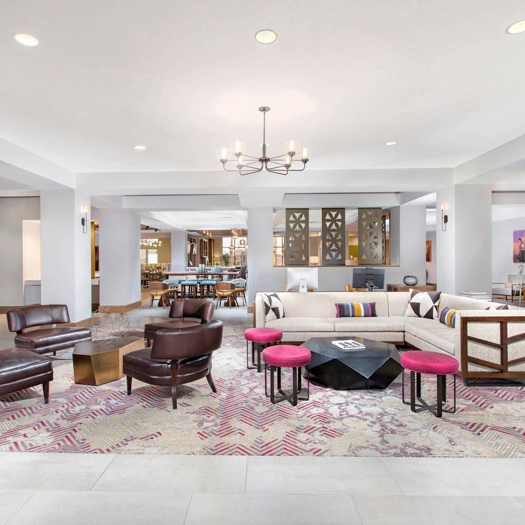 DoubleTree by Hilton San Antonio Northwest - lodging  | Photo 6 of 10 | Address: 6809 N Loop 1604 W, San Antonio, TX 78249, USA | Phone: (210) 690-0300