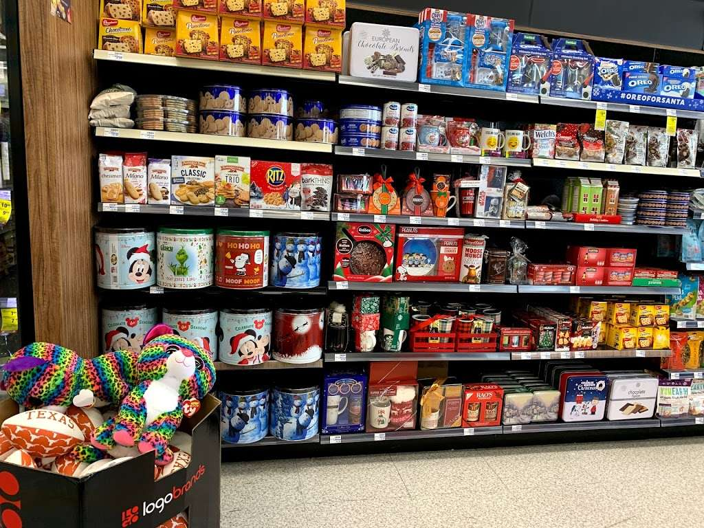 CVS - convenience store  | Photo 4 of 7 | Address: 290 N Denton Tap Rd, Coppell, TX 75019, USA | Phone: (972) 745-6566