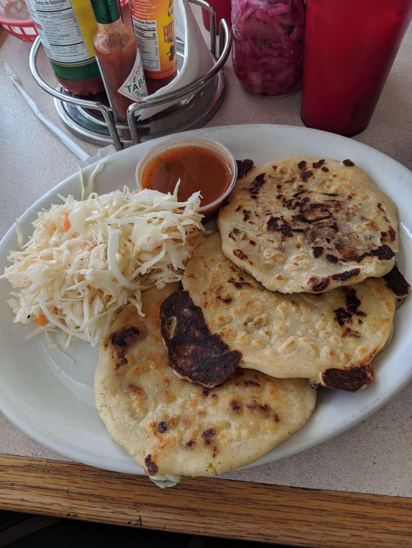 Sabor Centroamericano - restaurant  | Photo 5 of 10 | Address: 1304 Central Ave, Kansas City, KS 66102, USA | Phone: (913) 261-9181