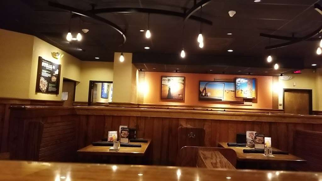 Outback Steakhouse - restaurant  | Photo 5 of 10 | Address: 455 Harmon Meadow Blvd, Secaucus, NJ 07094, USA | Phone: (201) 601-0077