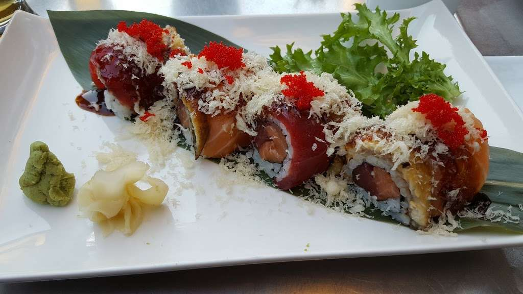 Fuji East Japanese Bistro - restaurant  | Photo 8 of 10 | Address: 455 Main St, New York, NY 10044, USA | Phone: (212) 583-1688