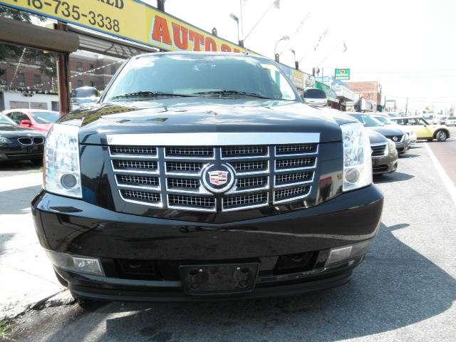 Wide World Auto Sale - car dealer    Photo 5 of 9   Address: 660 Utica Ave, Brooklyn, NY 11203, USA   Phone: (718) 735-3338