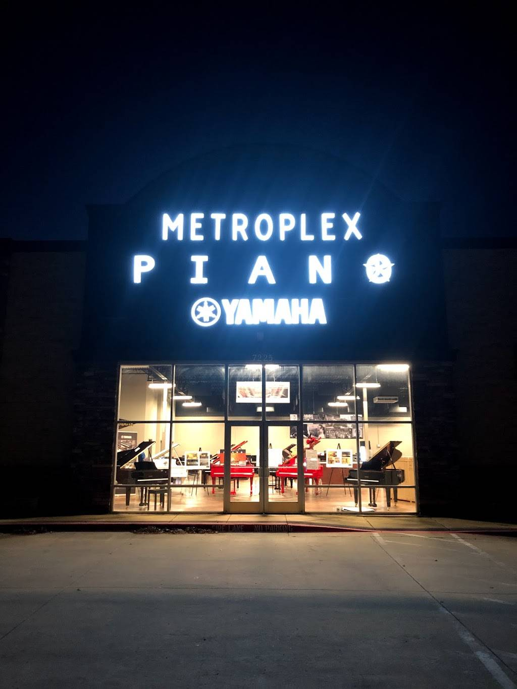 Metroplex Piano - moving company  | Photo 1 of 9 | Address: 7225 Central Expy, Plano, TX 75025, USA | Phone: (972) 388-1130