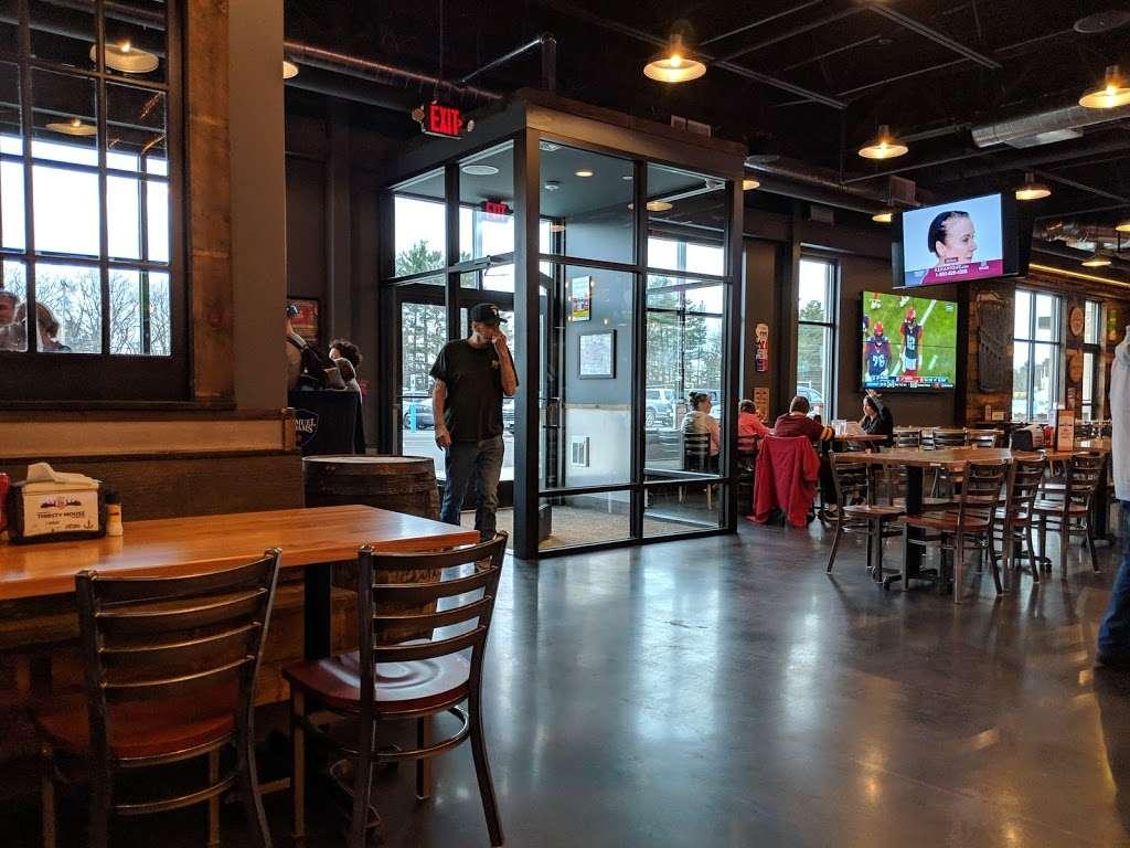 Thirsty Moose Tap House- Merrimack - restaurant  | Photo 6 of 10 | Address: 360 Daniel Webster Hwy, Merrimack, NH 03054, USA | Phone: (603) 670-0270