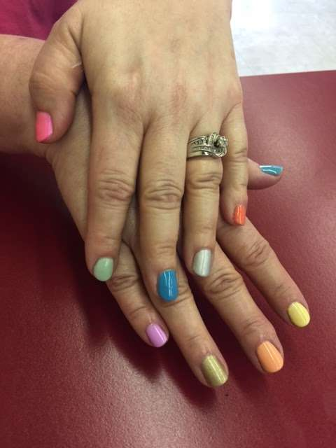 Pedi Lounge Nail Salon & Spa - hair care  | Photo 2 of 10 | Address: 1827 N Madison Ave Suite B, Anderson, IN 46011, USA | Phone: (765) 393-0015