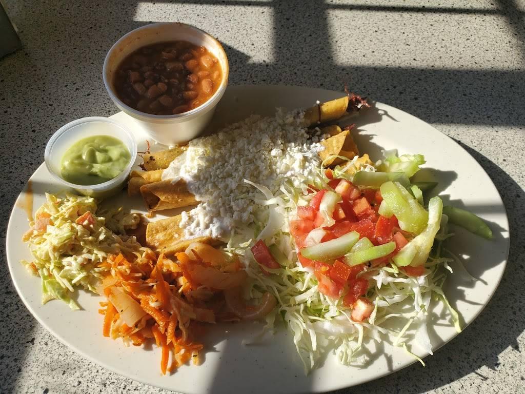 Flautas La Pila - restaurant  | Photo 2 of 8 | Address: 1420 S Federal Blvd, Denver, CO 80219, USA | Phone: (303) 922-0984