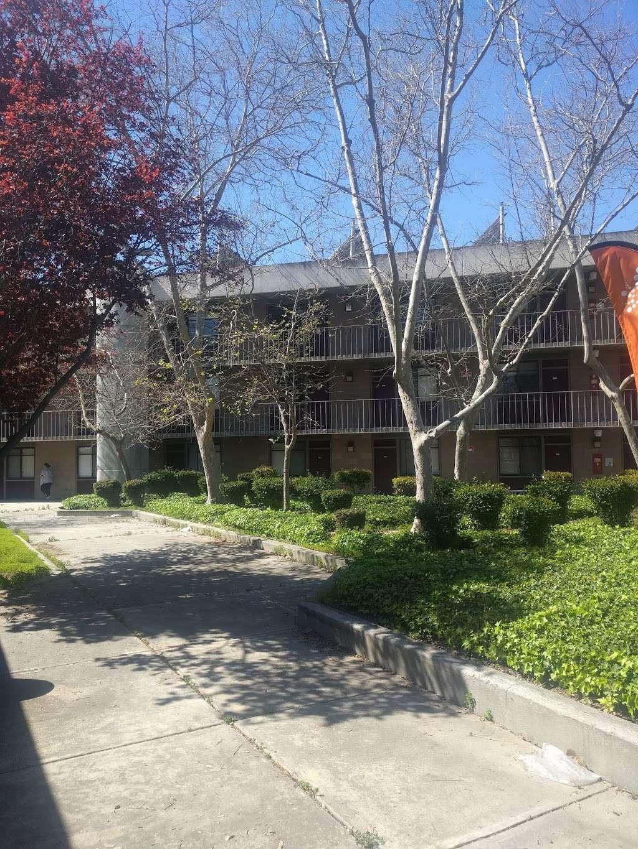 NASA Lodge - lodging  | Photo 10 of 10 | Address: 583 Dailey Rd, Mountain View, CA 94043, USA | Phone: (650) 603-7100
