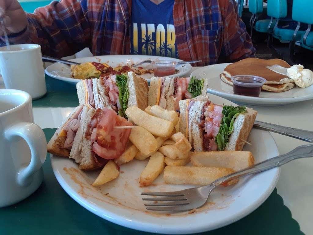 Ozzies Diner - restaurant    Photo 8 of 10   Address: 7780 Slauson Ave, Commerce, CA 90040, USA   Phone: (323) 726-0300