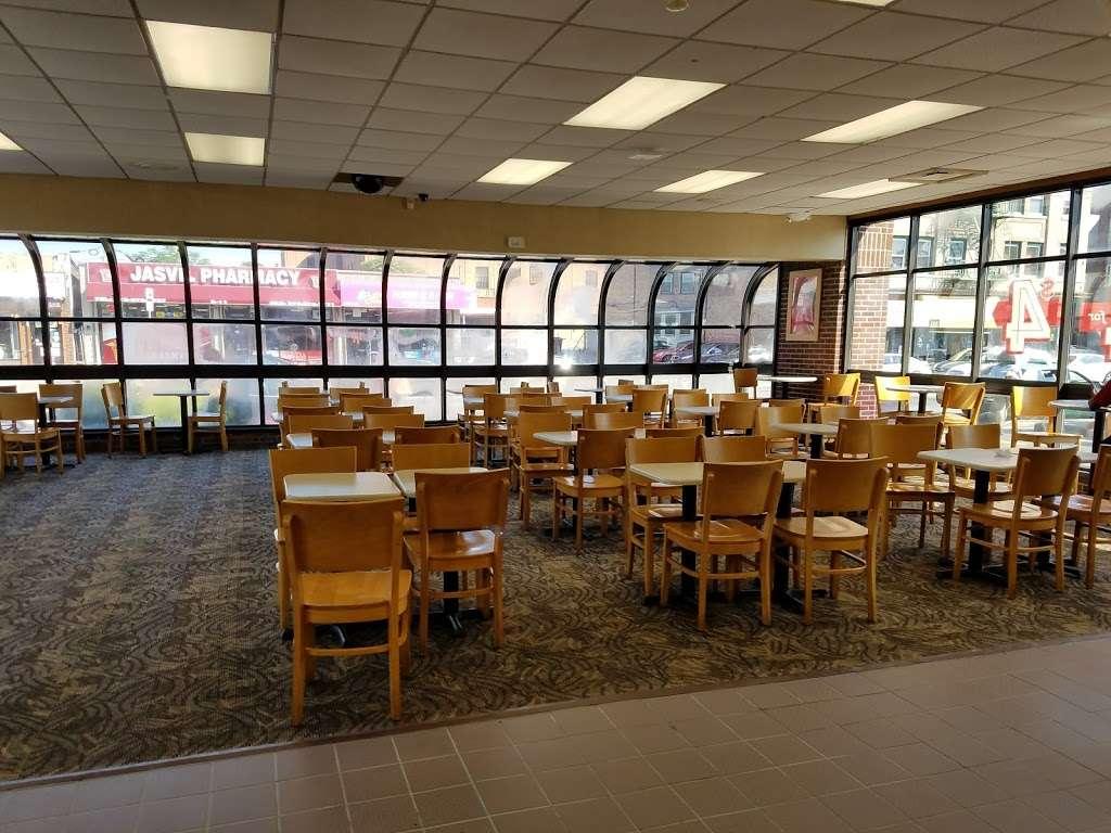 Wendys - restaurant    Photo 3 of 10   Address: 2 Main St, City of Orange, NJ 07050, USA   Phone: (973) 414-0560