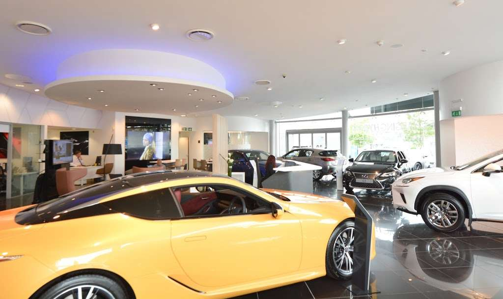 Lexus Croydon - car dealer  | Photo 7 of 10 | Address: 604 Purley Way, Croydon CR0 4RF, UK | Phone: 020 3733 8139