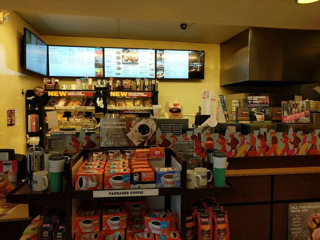 Dunkin Donuts - cafe  | Photo 2 of 6 | Address: 179 US-46, Lodi, NJ 07644, USA | Phone: (973) 777-6776