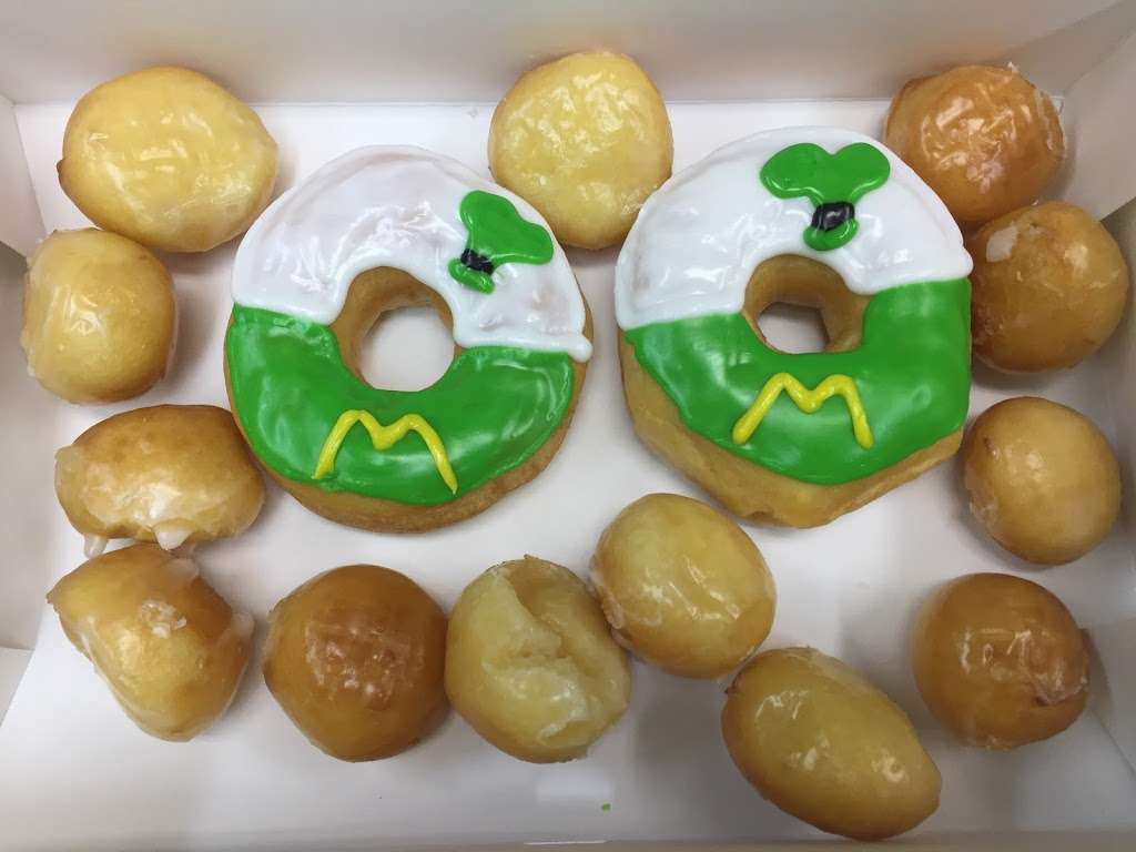 Donut City - bakery  | Photo 3 of 10 | Address: 205 N Denton Tap Rd # 200, Coppell, TX 75019, USA | Phone: (972) 462-0408