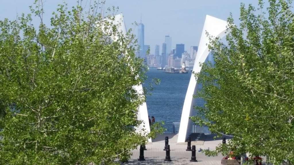 The Staten Island September 11th Memorial - park  | Photo 7 of 10 | Address: Bank Street, Staten Island, NY 10301, USA