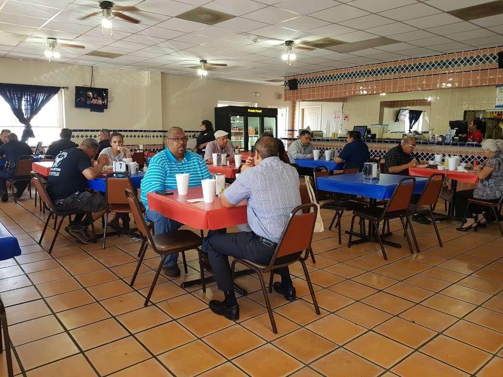 """Al Carbon"" Pollos Asados - restaurant    Photo 5 of 9   Address: 547 Culebra Rd, San Antonio, TX 78201, USA   Phone: (210) 737-7400"