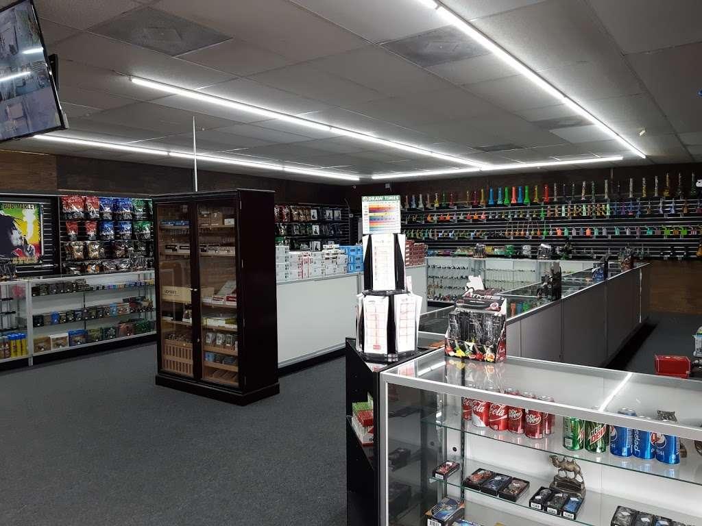 Mac Smoke n Vape Shop - store  | Photo 2 of 10 | Address: 2120 S Ridgewood Ave, Edgewater, FL 32141, USA | Phone: (386) 689-3851