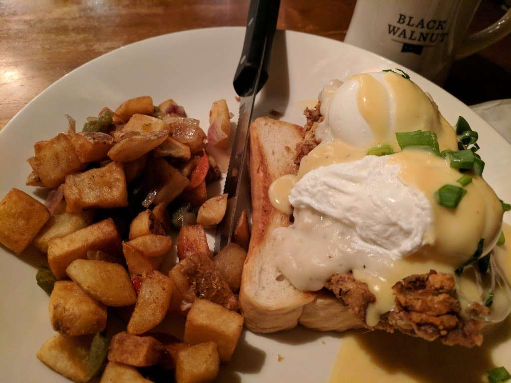Black Walnut Cafe - cafe  | Photo 9 of 10 | Address: 9000 New Trails Dr, The Woodlands, TX 77381, USA | Phone: (281) 362-1678
