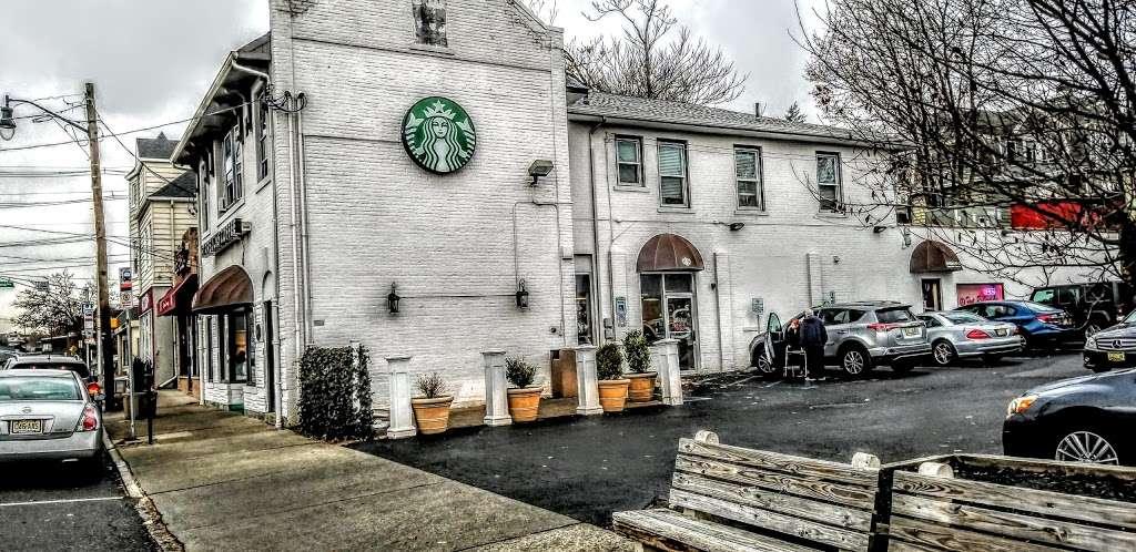 Starbucks - cafe  | Photo 4 of 10 | Address: 483 Franklin Ave, Nutley, NJ 07110, USA | Phone: (973) 562-0045