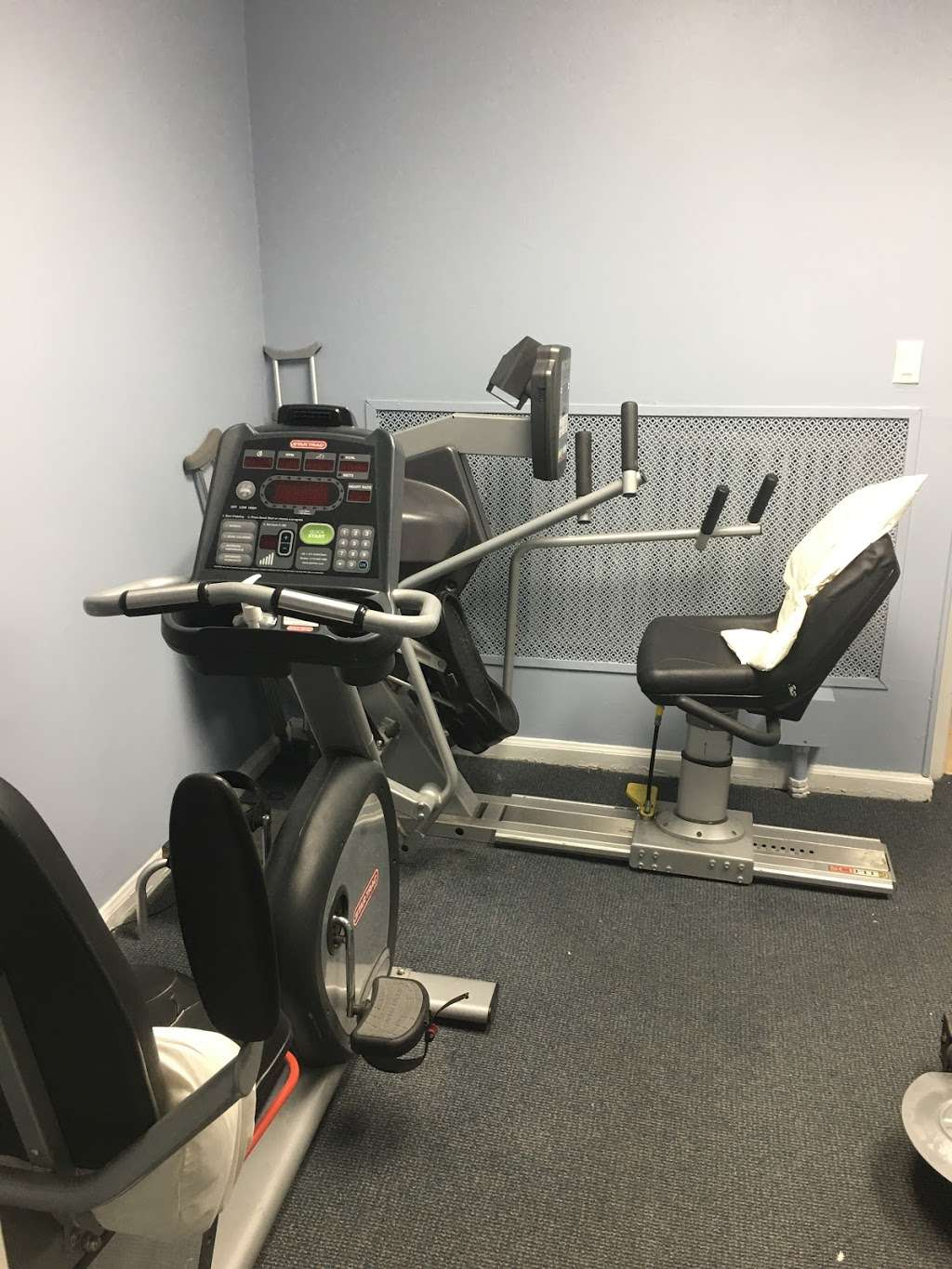 Advanced Physical Therapy - physiotherapist  | Photo 1 of 10 | Address: 6642 Forest Ave, Ridgewood, NY 11385, USA | Phone: (718) 821-4216