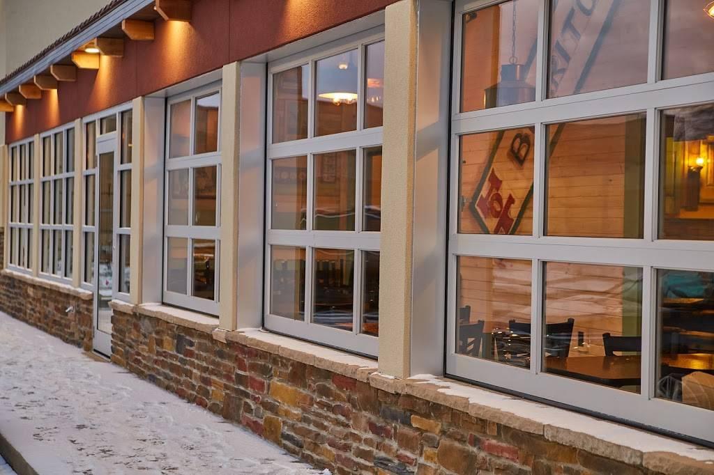 Salsa Grille Northeast - restaurant  | Photo 4 of 10 | Address: 5709 YMCA Park Drive East, Fort Wayne, IN 46835, USA | Phone: (260) 492-9661
