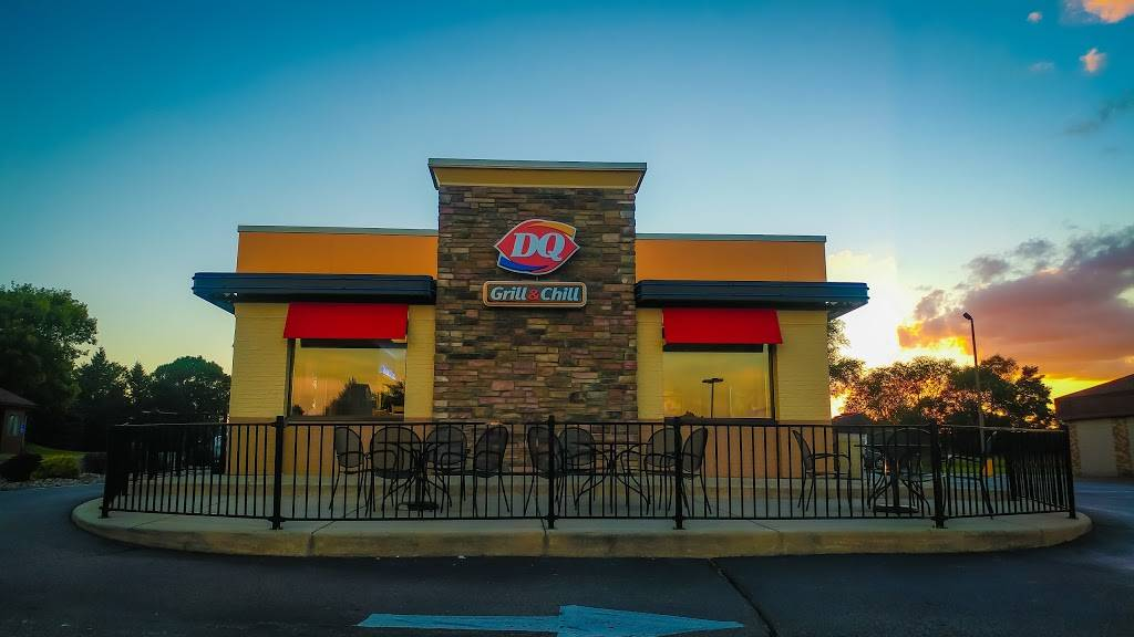 Dairy Queen Grill & Chill - restaurant  | Photo 1 of 7 | Address: 6655 Cahill Ave, Inver Grove Heights, MN 55076, USA | Phone: (651) 455-0339