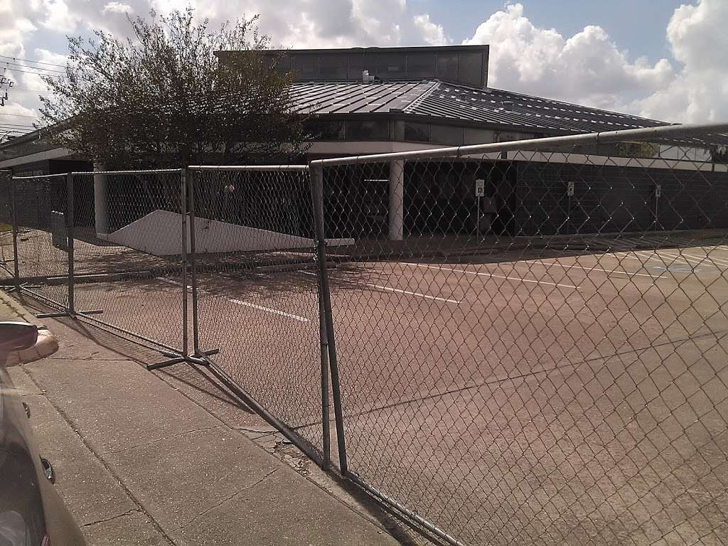 Collier Regional Library - library  | Photo 4 of 10 | Address: 6200 Pinemont Dr, Houston, TX 77092, USA | Phone: (832) 393-1740
