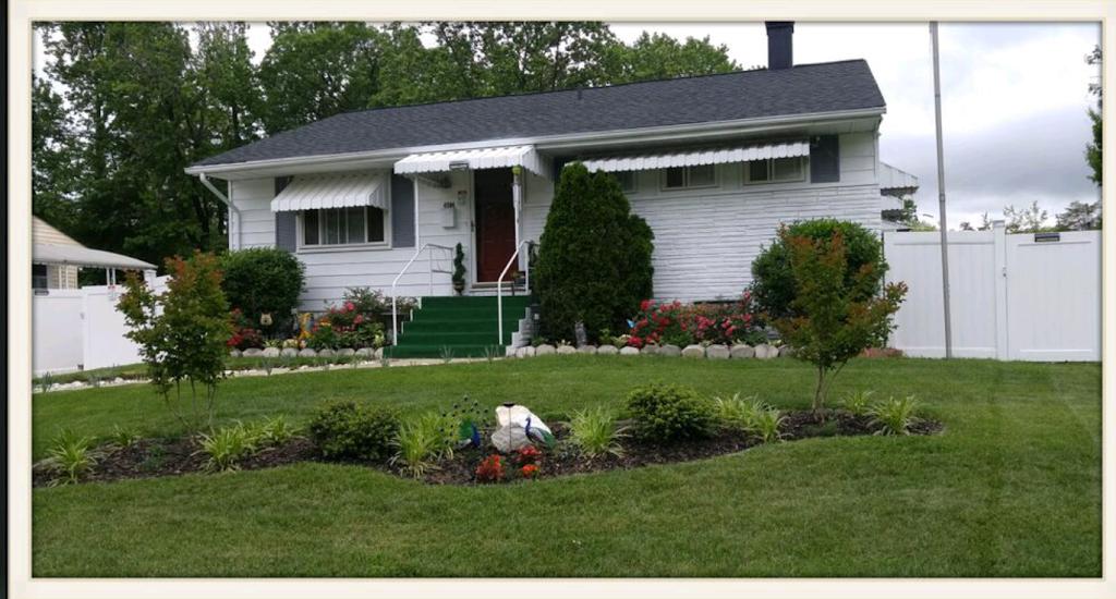 Learn Love Childcare, LLC - school    Photo 3 of 8   Address: 4904 91st Pl, Lanham, MD 20706, USA   Phone: (240) 487-6750